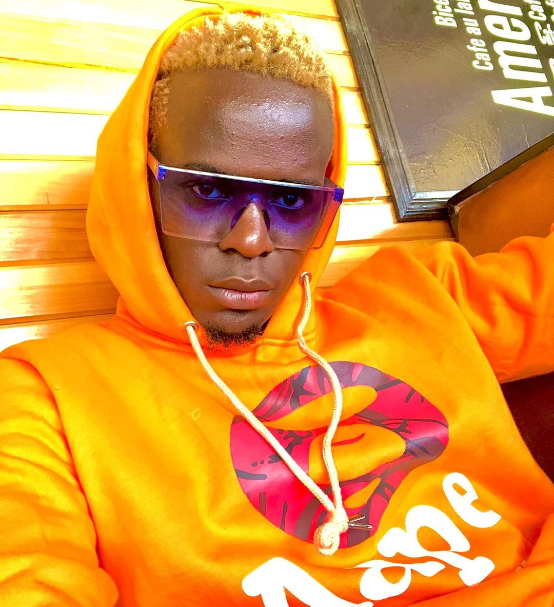 Willy Paul is controlling the game with 'Controller'