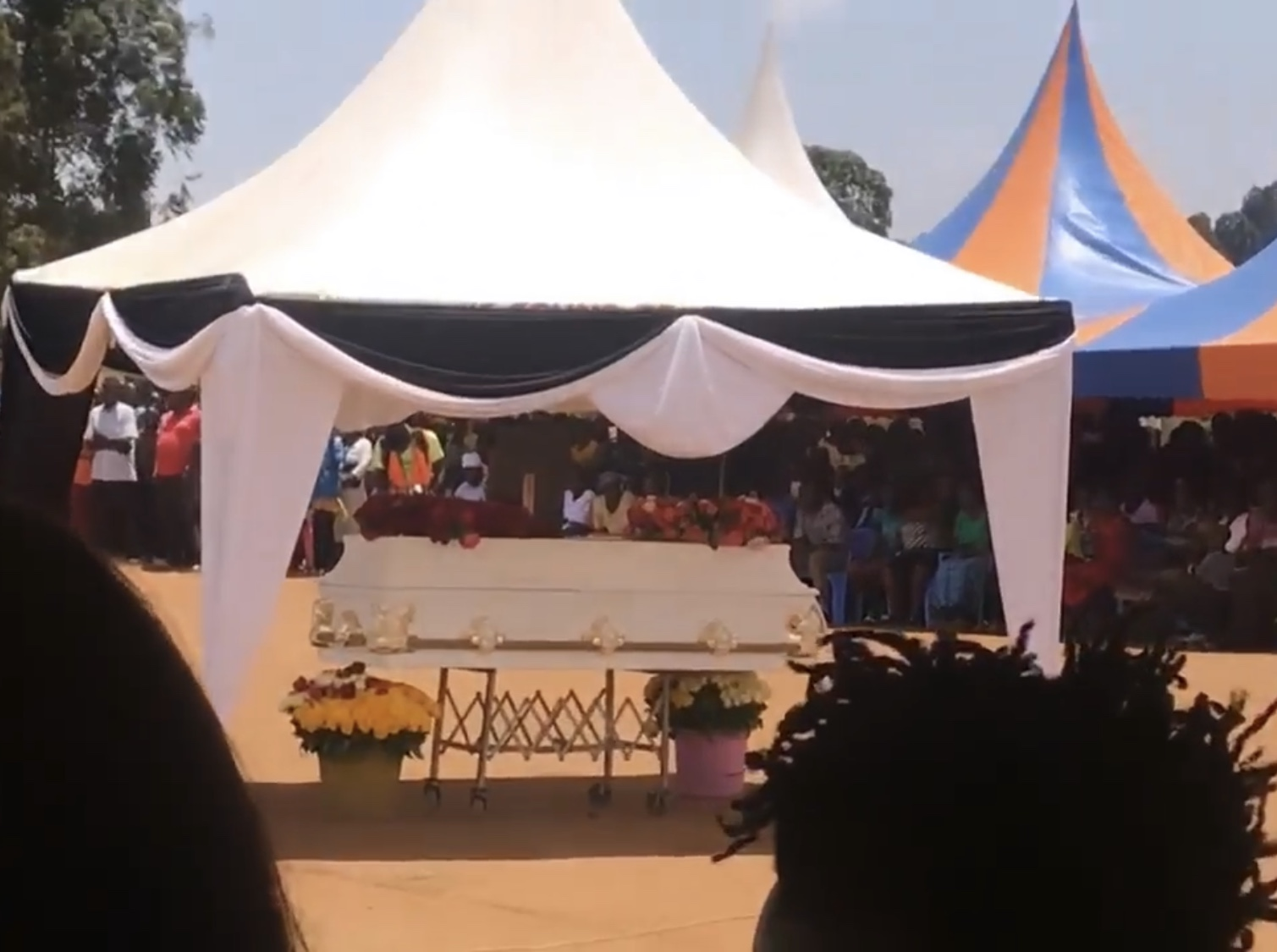 Family, friends and fans turn out in huge number to bid the late Papa Dennis goodbye as he is finally laid to rest!