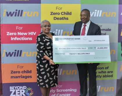H.E. the First Lady Mrs. Margaret Kenyatta (Left) receives a dummy cheque from the Group Managing Director & CEO Co-operative Bank Dr. Gideon Muriuki (Right) for the Sh20 million donation by the Bank to the First Lady's Beyond Zero Initiative on 18th February 2020 at State House, Nairobi.