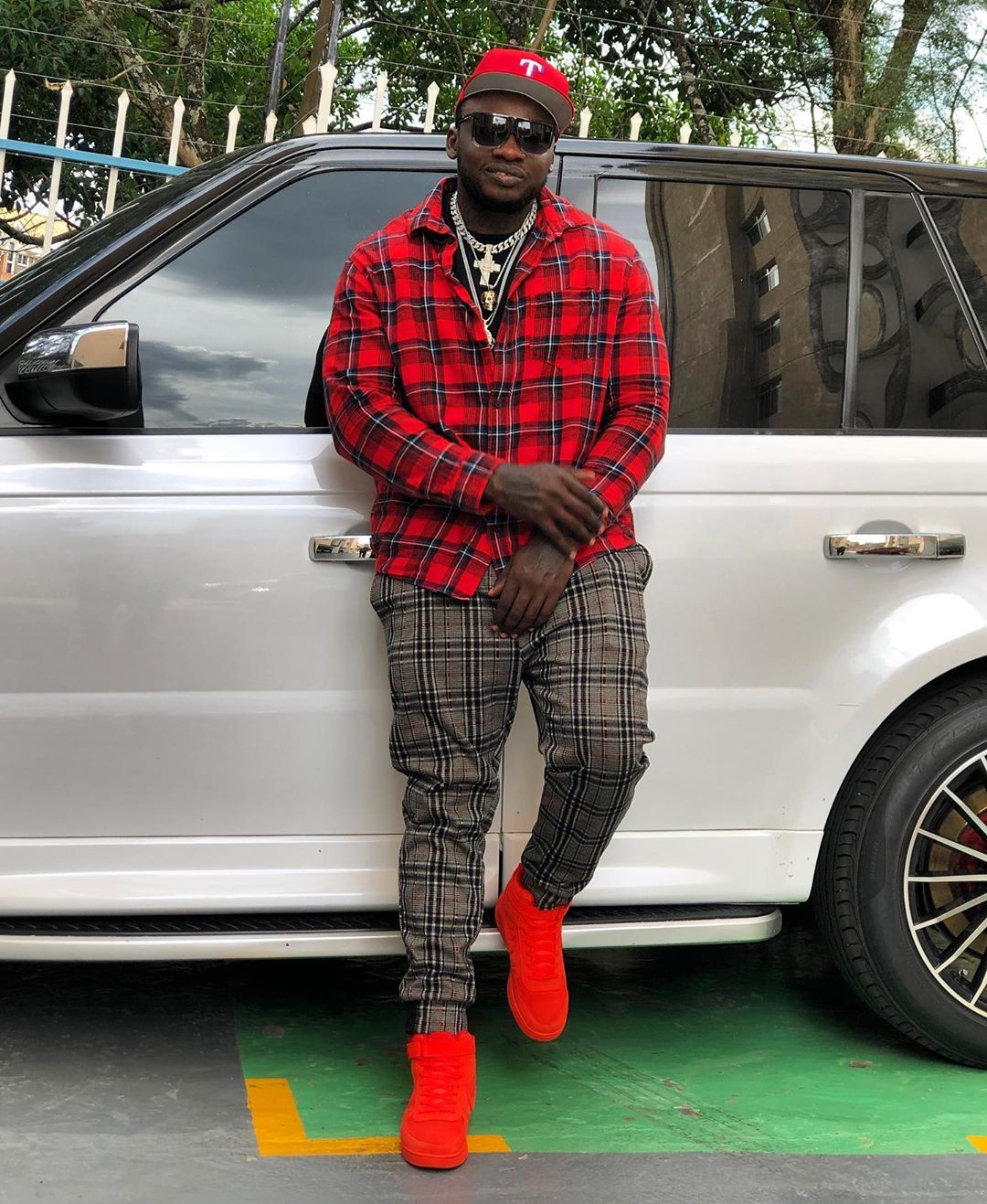 Khaligraph Jones and Masauti defend artistes in 'Hao""