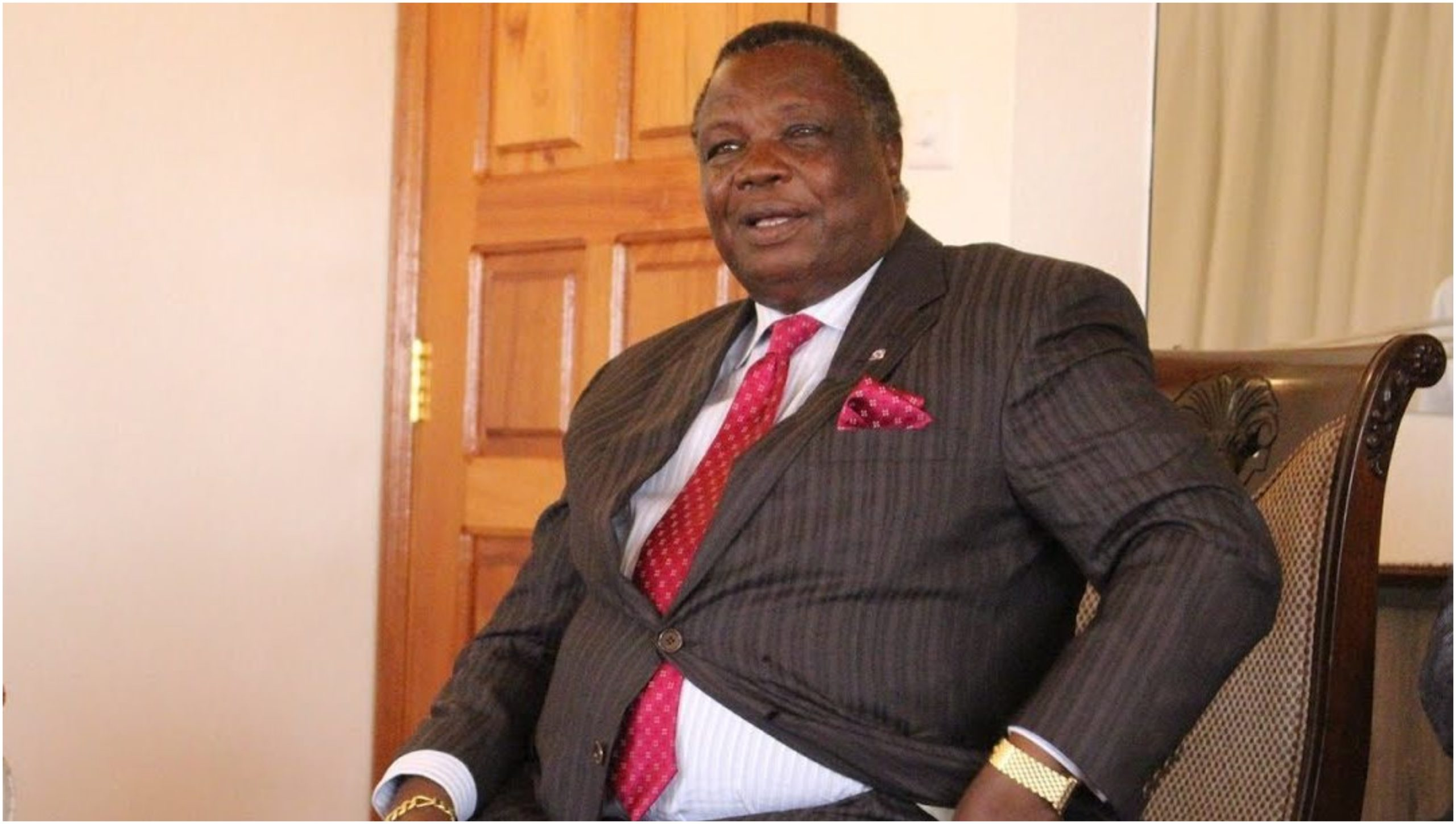 Photos of Atwoli´s mzungu maid stirs heated debate