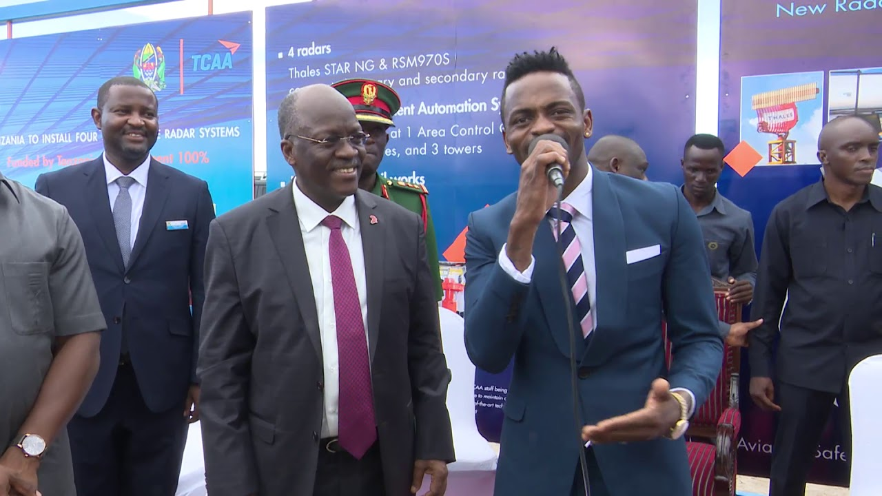 Diamond platnumz with magufuli