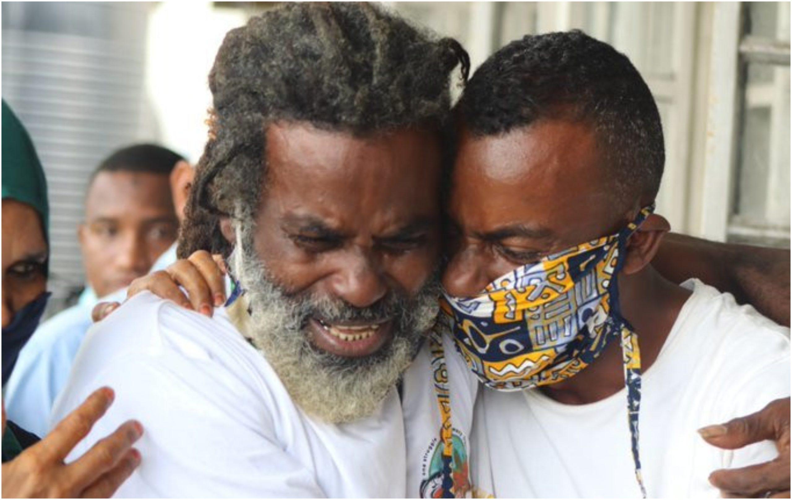 Tears flow as Tecra Muigai's boyfriend Omar Lali is finally set free (Photos)