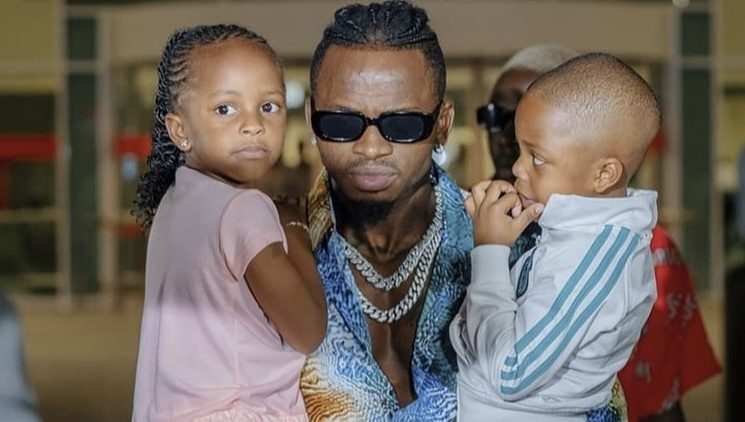 Proof that Diamond Platnumz cropped out son, Nillan out of his photo with Princes Tiffah (Photo)