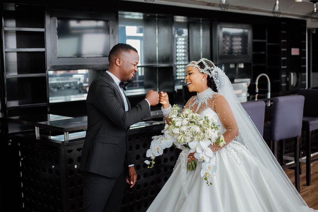 Hamisa Mobetto's baby daddy weds the love of his life in all white glamorous wedding (Photos)