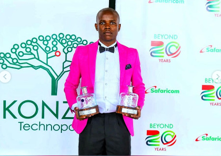 Crazy Kennar Receives Comedian Influencer Of The Year Award