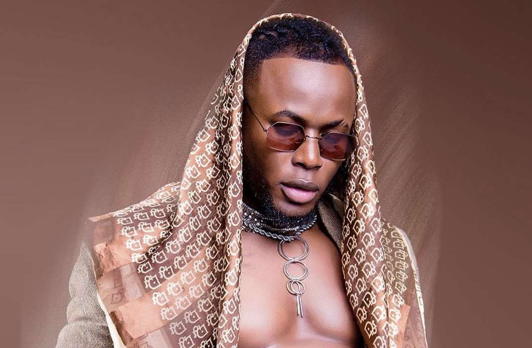 Conman or Zero creativity? Arrow Bwoy exposed for copy pasting song from a Rwandese artist (Videos)