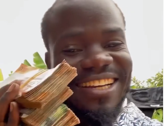 Usitegemee Serikali- Mulamwah Flaunts Huge Chunks Of Money As He Encourages Youths To Invest