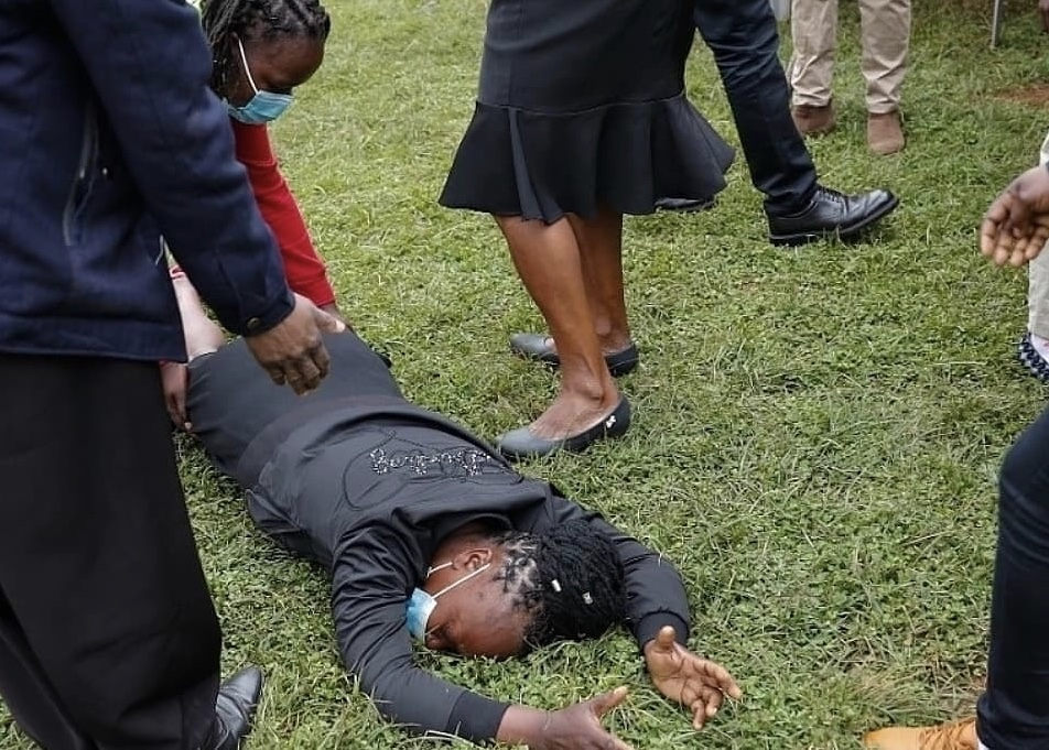 Too much pain to handle: Mother of the late Ndwiga Brothers breaks down during funeral service