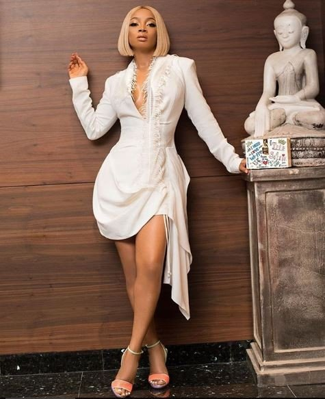 Toke Makinwa looking smoking hot in this white dress