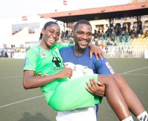 Check out this photo of Nigerian female footballer Asisat Oshoala and Tobi Bakre