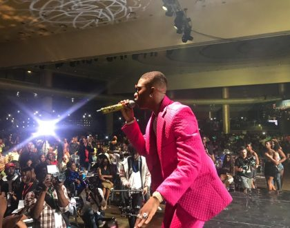 See photos of Wizkid as he stuns in pink at his concert