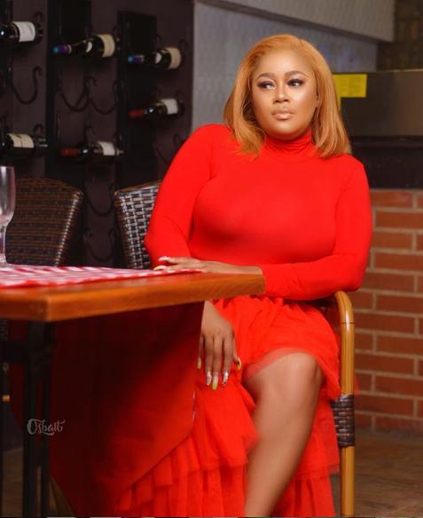 Actress Tayo Odueke celebrates her birthday with scintillating photos