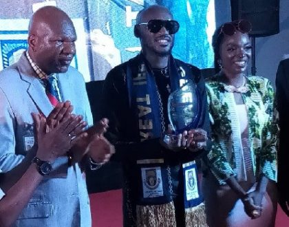 2face Idibia bags Music fellowship award from the Obafemi Awolowo University