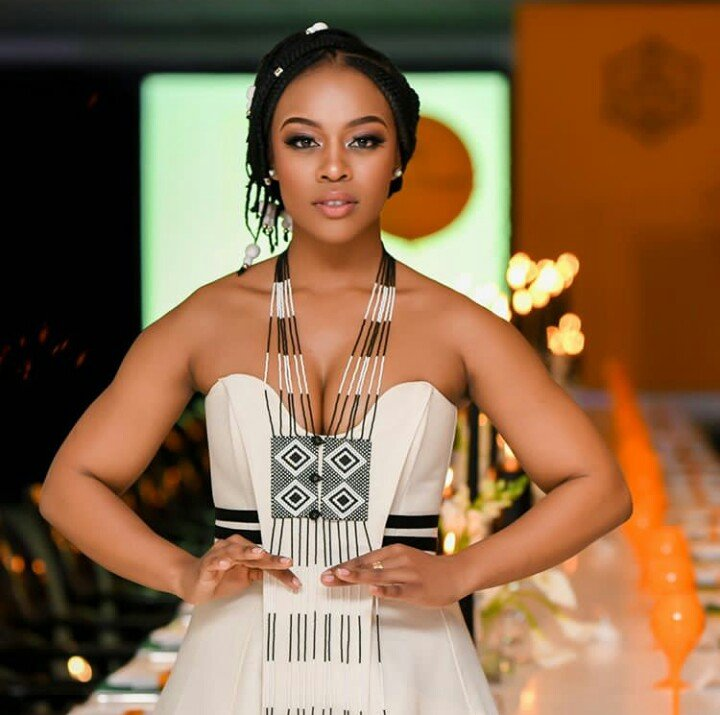 Nomzamo Mbatha Named Woman Of The Year Ghafla South Africa