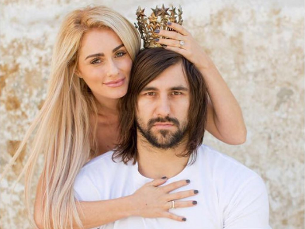 Angelique and Jacques Potgieter grace Huisgenoot cover with their newborn twins