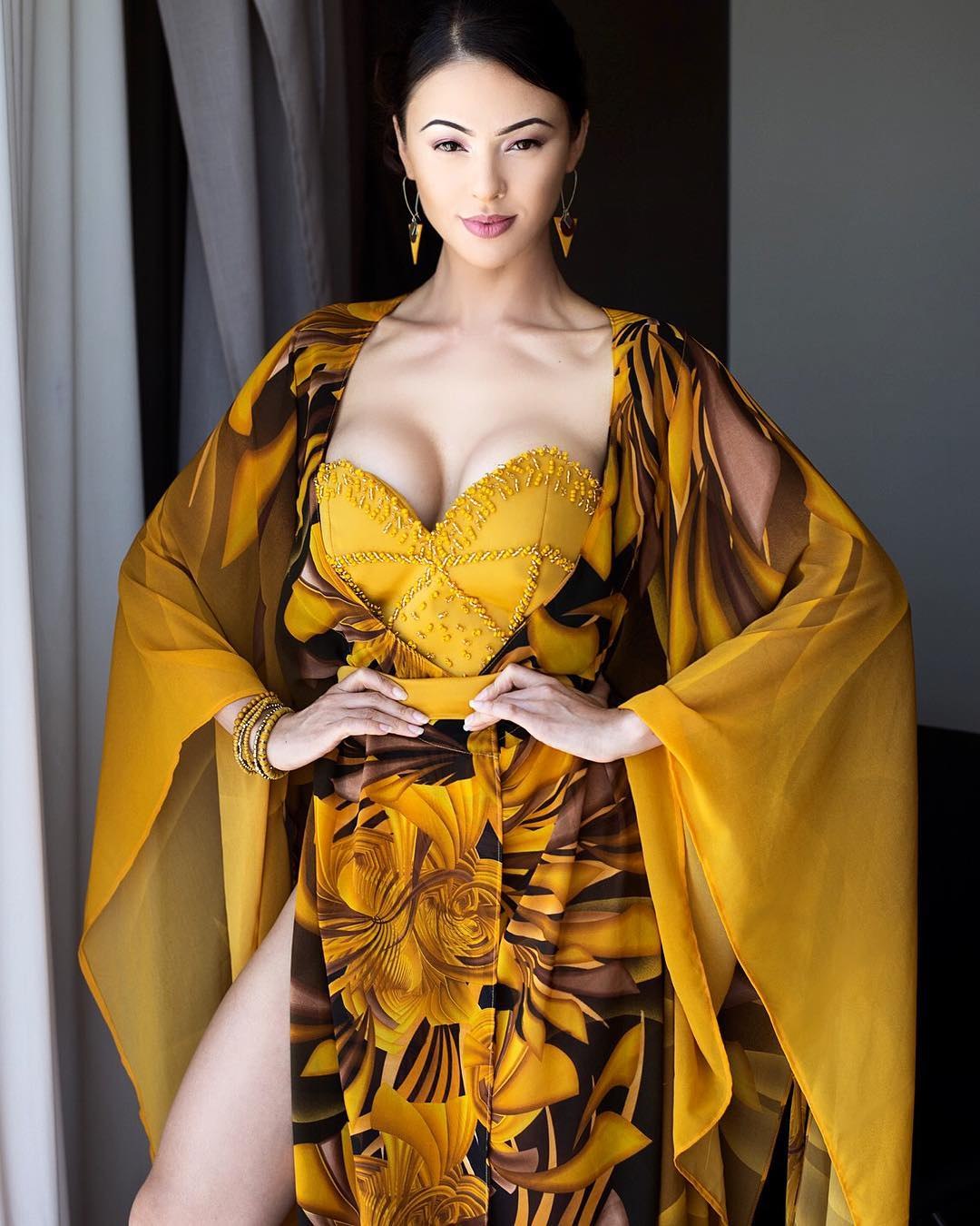 Lalla Hirayama enjoys snow in Japan
