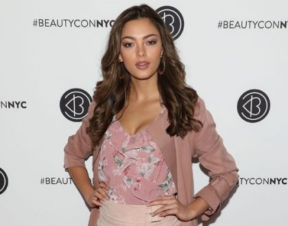 Photo: Demi-Leigh shows off abs