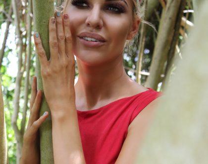 Liezel van der Westhuizen is now engaged