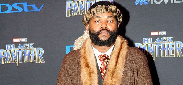 Grand Welcome for Sjava as he arrives in SA