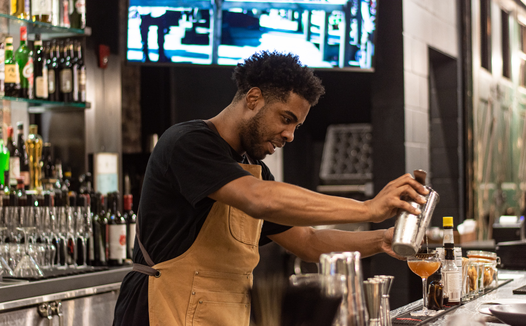 Showmax bartender
