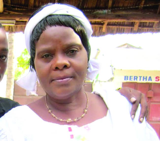 Mama Kanumba Ateta Na Wanaomwita Hamisa Mnafiki
