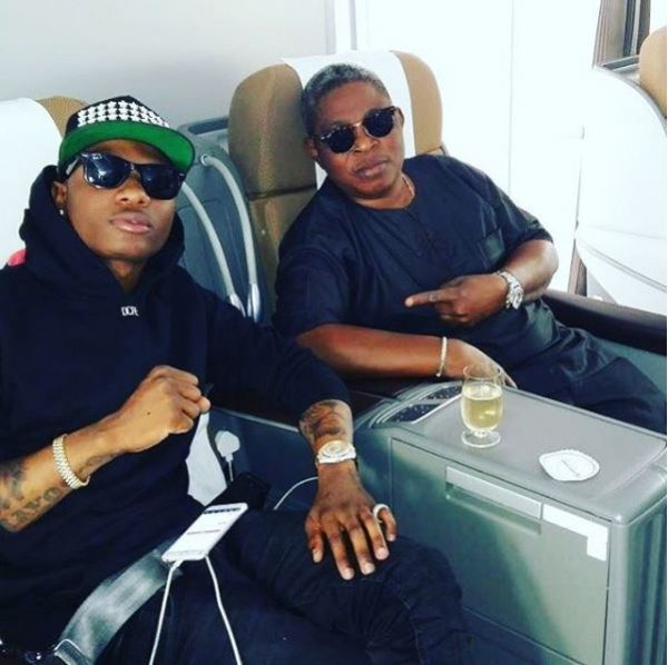 Wizkid reportedly misses his flight again!