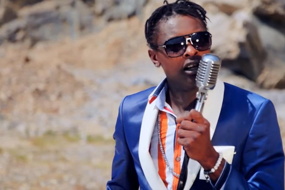 Chameleone hits DJ with Microphone Complaining about bad sound