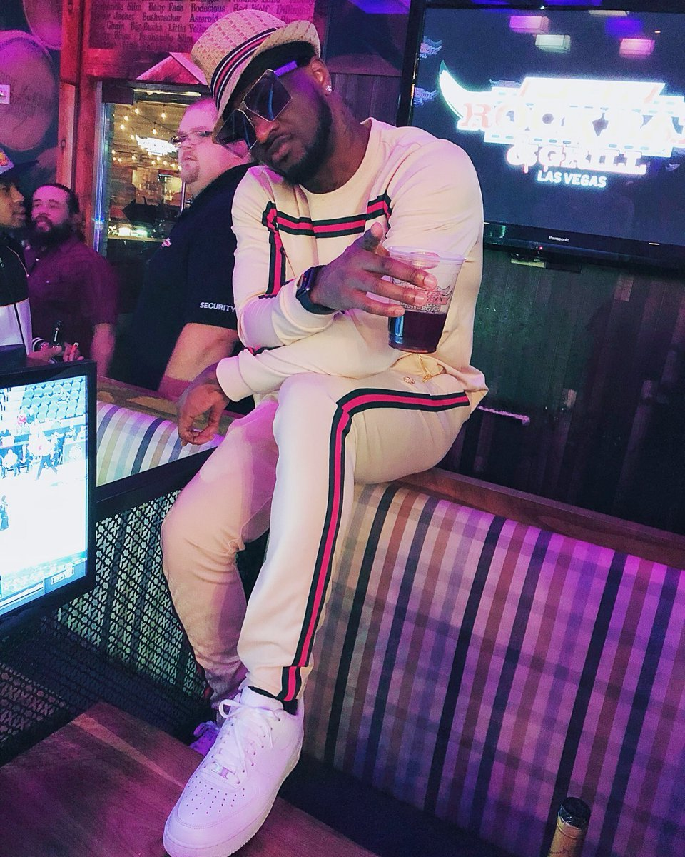 Peter Okoye from P-Square pays Tribute to Mowzey Radio During Performance in USA