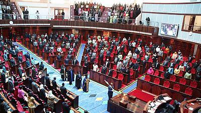 Tanzanian parliament bans Wigs,  Makeup and fake Nails in Parliament