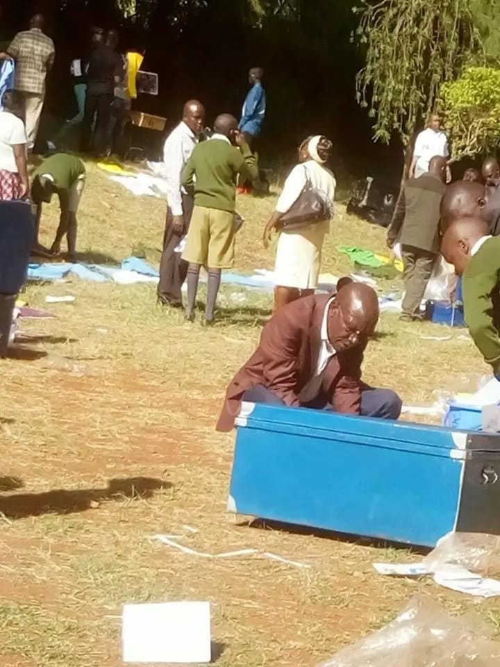 Apana tambua mheshimiwa! Bonny Khalwale forced to inspect son's belongings upon admission at Alliance (Photos)