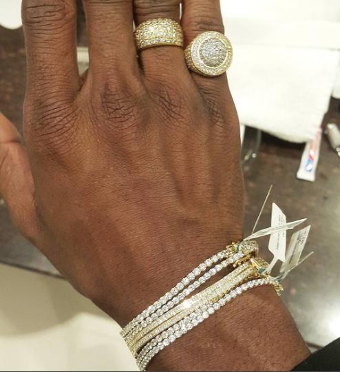 Diamond Platnumz rings and bracelet