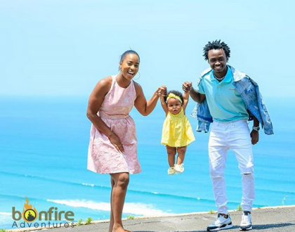 Mnatesa mtoto sana nyinyi! Fans bash Bahati and Diana Marua over photo with Heaven