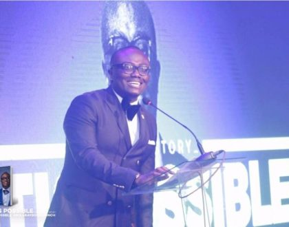 "Bola Ray Launches Autobiography, ""It Is Possible"""
