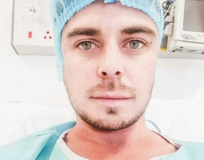 Bobby van Jaarsveld goes under the knife
