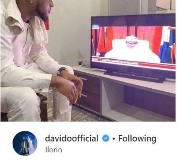 Davido watches and hails Buhari as he delivers a speech ahead of the election